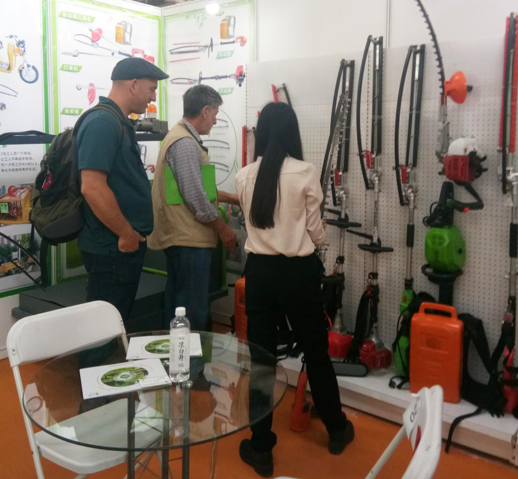 checking boma tools on exhibition